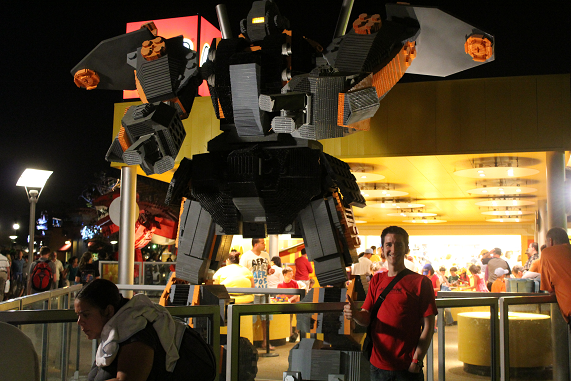 Tis a shame it was not smashing into other giant robots.